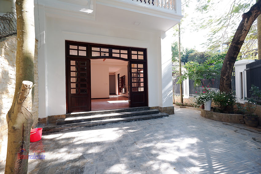 Ciputra: Traditional renovated cornered 04BRs house in C1, short walk to UNIS 2