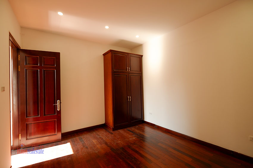 Ciputra: Traditional renovated cornered 04BRs house in C1, short walk to UNIS 29