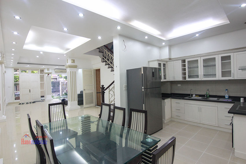 Ciputra Villa in Block C: 4 bedrooms with cheap price, new renovated 3