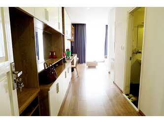 Clean and modern apartment for rent in Hai Ba Trung district, Hanoi