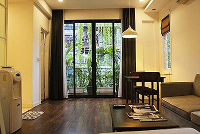 Cozy 01BR apartment on Nguyen Chi Thanh Rd, balcony