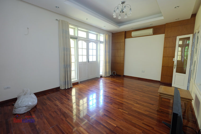 Cozy 06 BRs house with 350m land area, unfurnished in C1 Ciputra 15