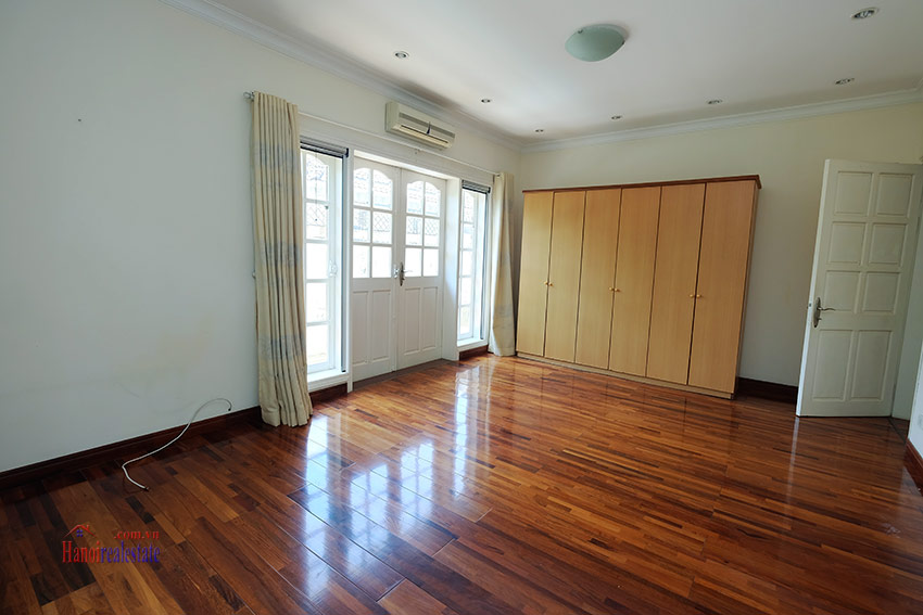 Cozy 06 BRs house with 350m land area, unfurnished in C1 Ciputra 32