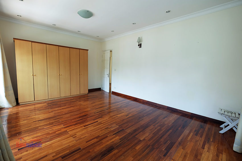 Cozy 06 BRs house with 350m land area, unfurnished in C1 Ciputra 34