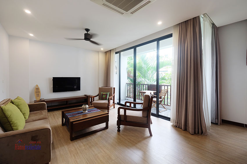 Cozy 3-bedroom apartment with balcony on Xuan Dieu for rent 2