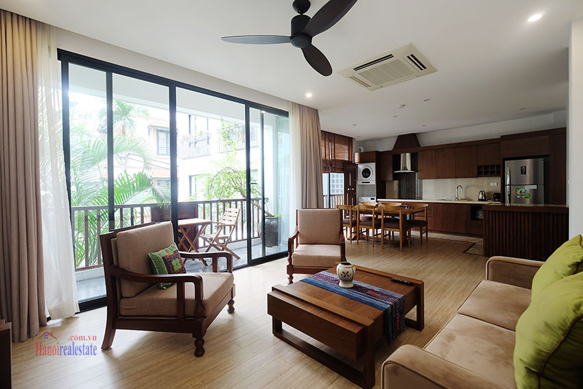Cozy 3-bedroom apartment with balcony on Xuan Dieu for rent 3