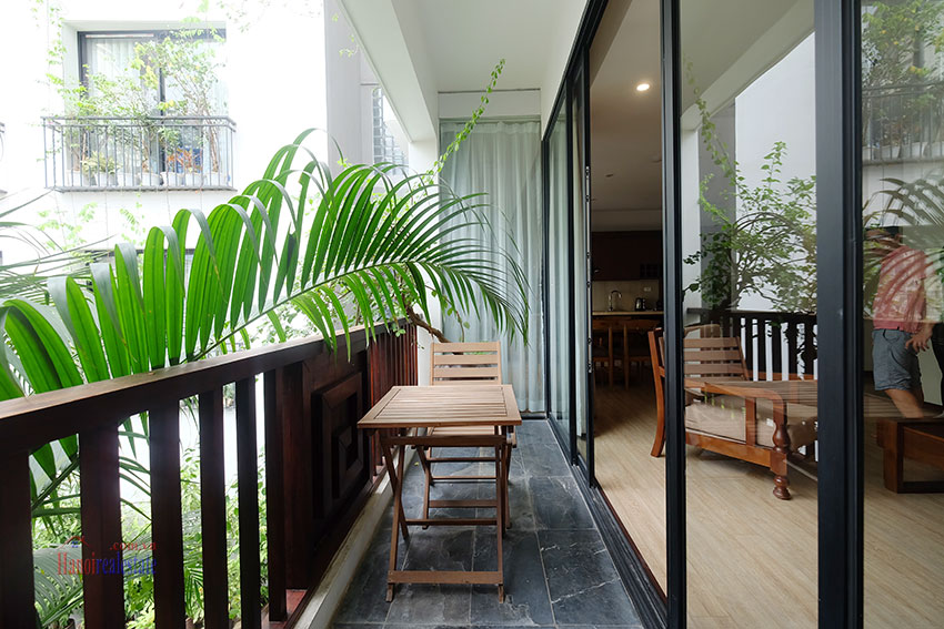 Cozy 3-bedroom apartment with balcony on Xuan Dieu for rent 6