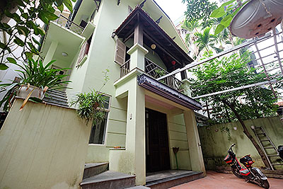 Cozy 4-bedroom house with courtyard & party furnished in To Ngoc Van