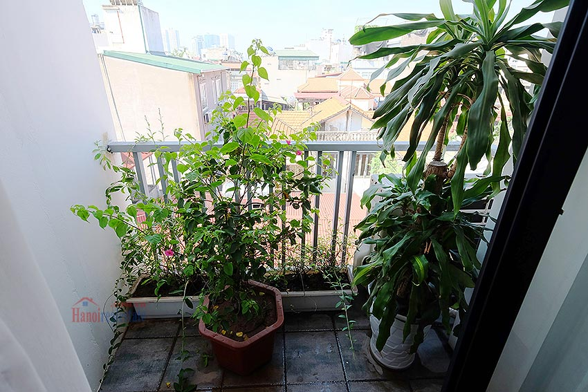 Cozy Furnished Apartment for rent in Linh Lang Street, high floor, elevator 5