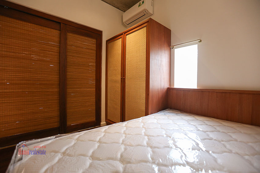 Duplex 02 bedroom apartment on Yen Hoa Street, high floor 6