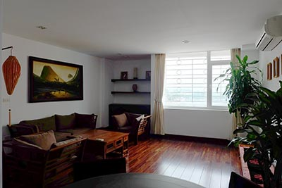Duplex 3 bedroom Apartment on top floor for rentals in Truc Bach Area