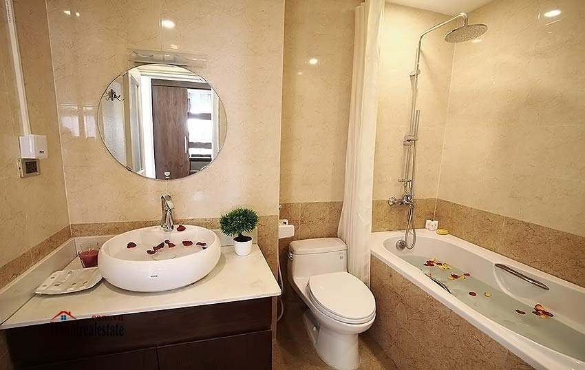 Excellent apartment 01BR in Dong Da, 10m walk to Royal City 12