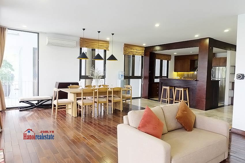 Exclusive serviced apartment to let in Xom Chua Westlake with spacious balcony 3