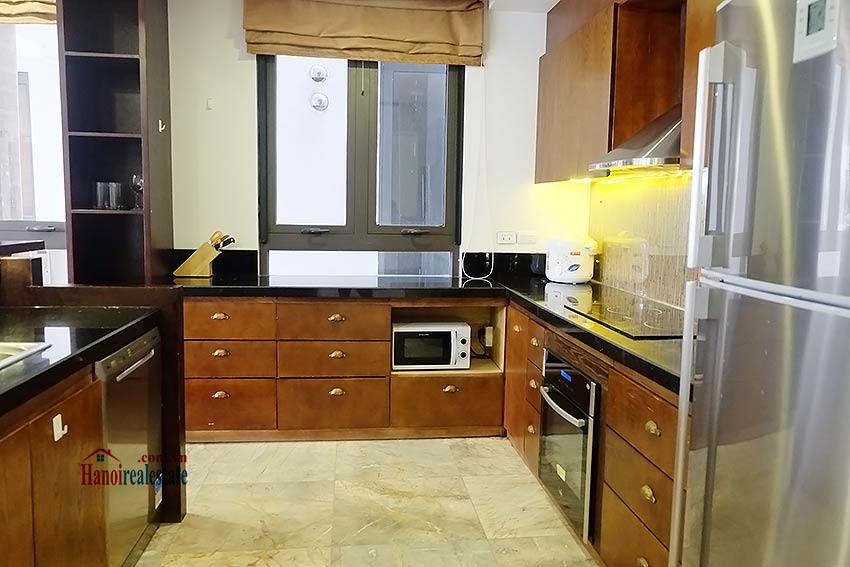 Exclusive serviced apartment to let in Xom Chua Westlake with spacious balcony 7