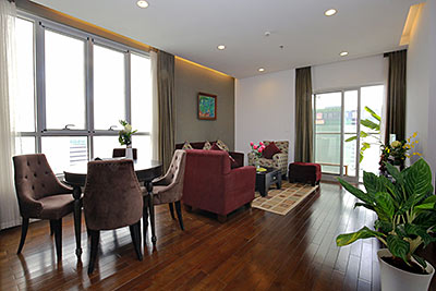 Extremely bright 02BRs apartment with Giang Vo lake view at Lancaster