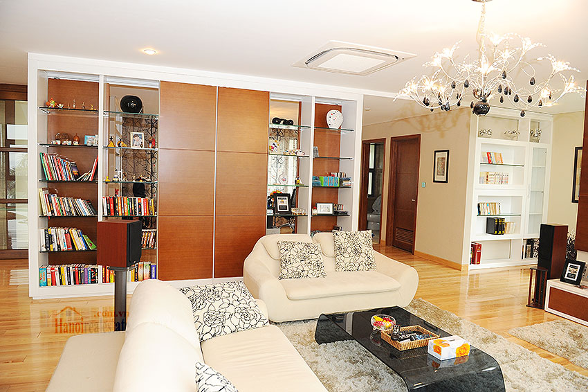 Fantastic and elegant 05BRs villa at Trich Sai St, lake front, swimming pool 21