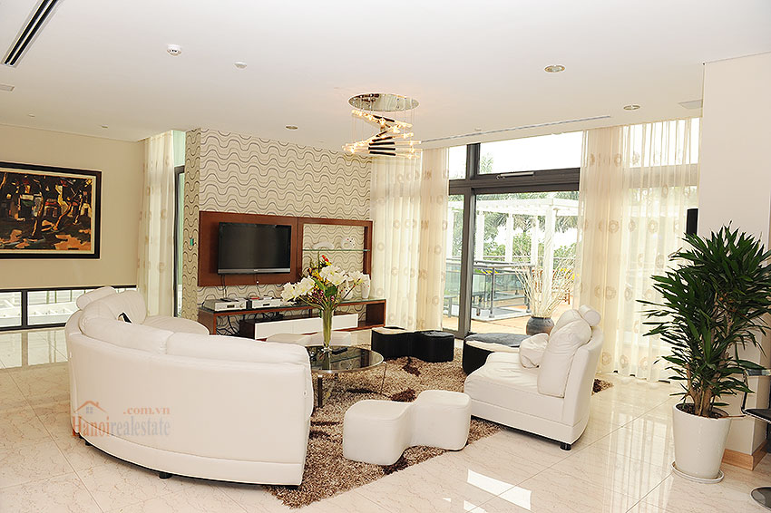 Fantastic and elegant 05BRs villa at Trich Sai St, lake front, swimming pool 24