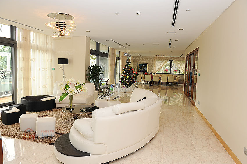 Fantastic and elegant 05BRs villa at Trich Sai St, lake front, swimming pool 25