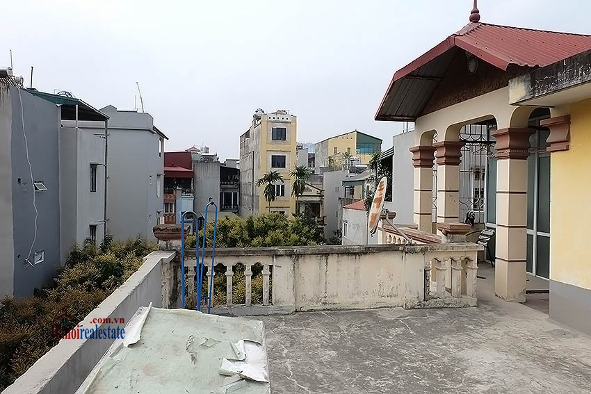 Four bedroom house with garden and cout yard in Ba Dinh 21