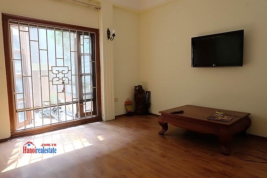 Four bedroom house with garden and cout yard in Ba Dinh 5