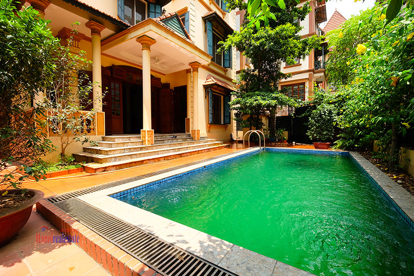 French colonial 06BRs garden villa with swimming pool in Xom Chua 2