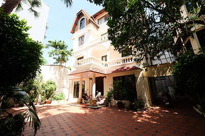 French style 04BRs house for rent on To Ngoc Van, car access
