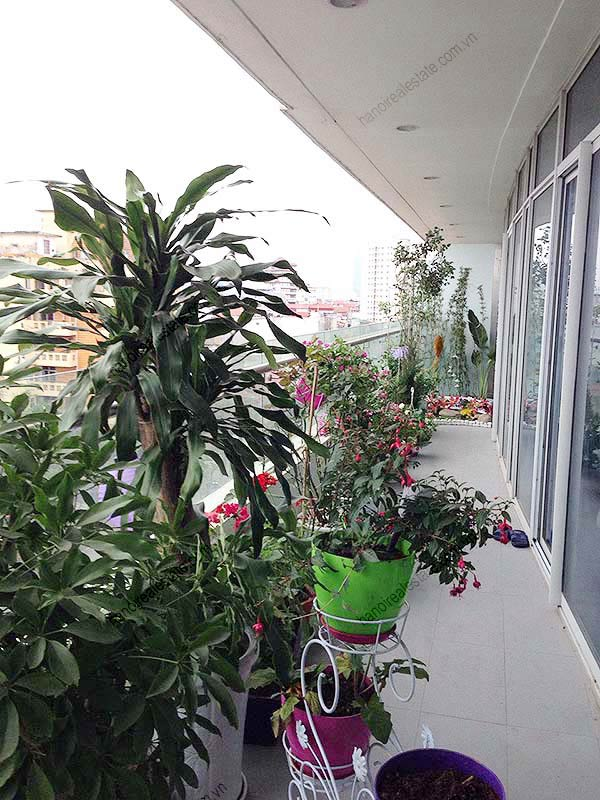 Fully Furnished BRs Apartment For Rent At Watermark Hanoi - Balcony garden hanoi