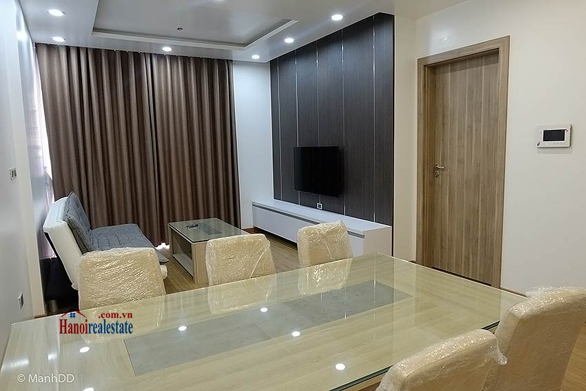 Fully furnished 02BRs apartment for rent at Vinhomes Nguyen Chi Thanh 2