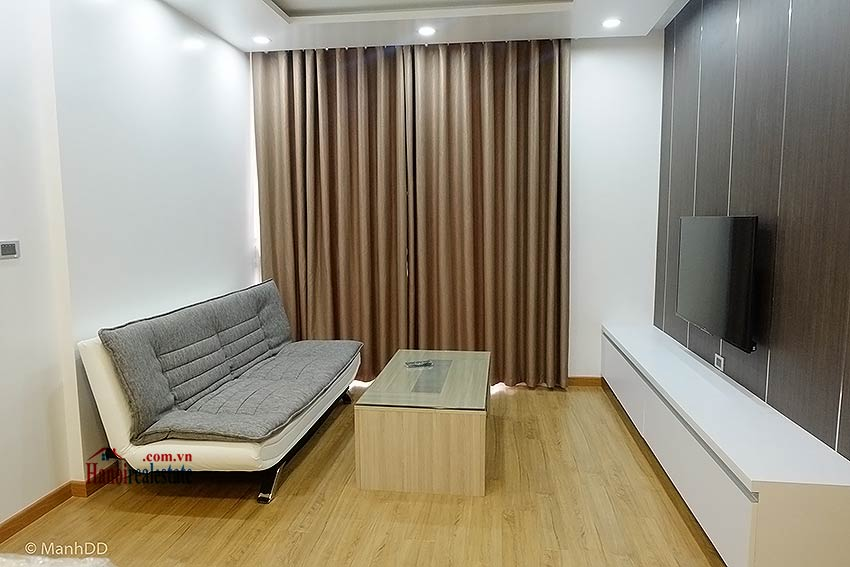 Fully furnished 02BRs apartment for rent at Vinhomes Nguyen Chi Thanh 3