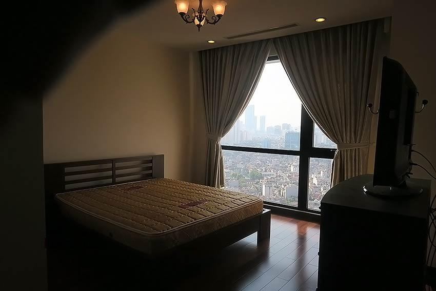Fully furnished 02BRs apartment to lease at Royal City Hanoi 12