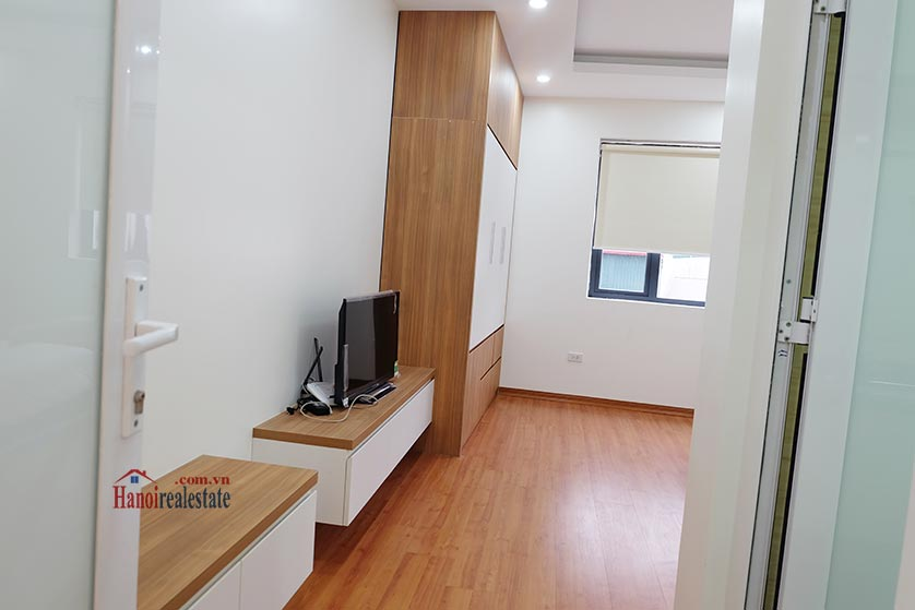 Fully furnished apartment for lease in Dao Tan, Ba Dinh 8