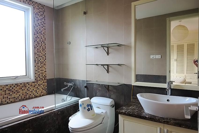Furnished 02 beds apartment to rent on Ba Trieu St, short walk to Hoan Kiem lake 8