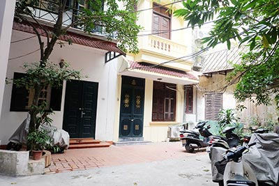Furnished 03 bedroom house to rent in Hoan Kiem with terrace