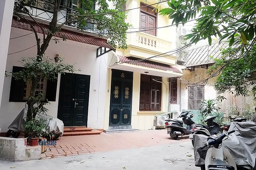 Furnished 03 bedroom house to rent in Hoan Kiem with terrace 1