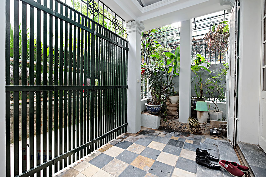 Furnished 4-bedroom house in Tay Ho-WestLake for rent 1