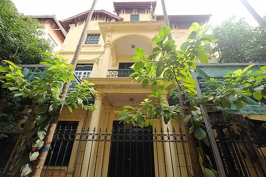 Furnished 4-bedroom house to lease in Tay Ho-Westlake, Hanoi 1