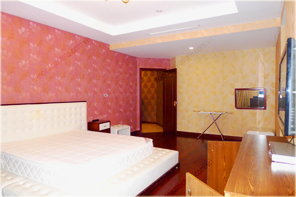 Furnished Apartment at Royal City Hanoi, 196m2, 3 bedrooms 10