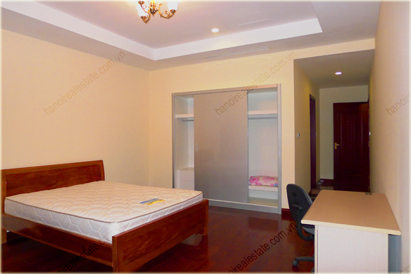 Furnished Apartment at Royal City Hanoi, 196m2, 3 bedrooms 15