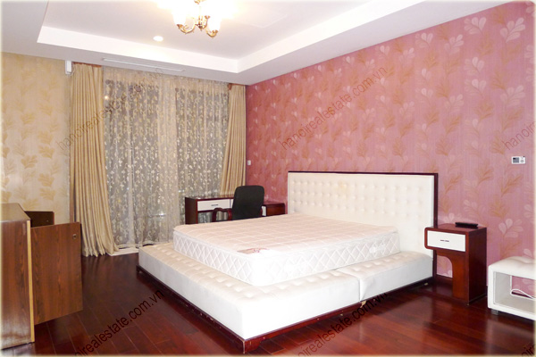 Furnished Apartment at Royal City Hanoi, 196m2, 3 bedrooms 9