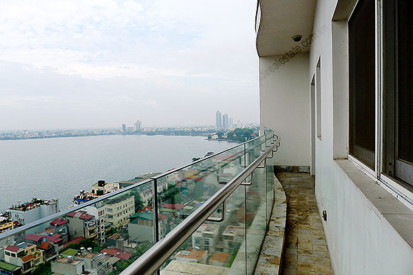 Furnished Bright and modern 4BR Apartment for rent in Golden West Lake Hanoi 15
