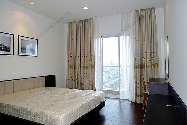 Furnished Bright and modern 4BR Apartment for rent in Golden West Lake Hanoi 27