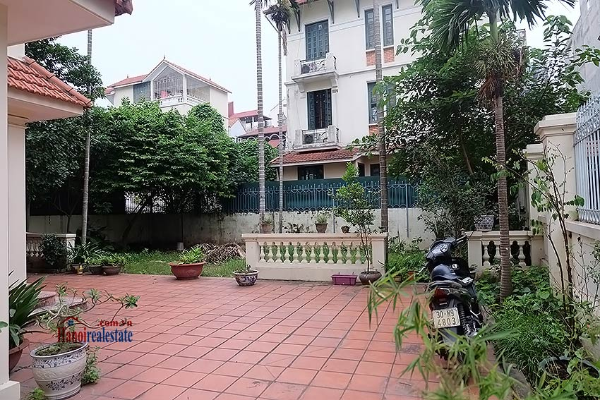 Garden furnished 03 bedroom house to rent in Tay Ho, Hanoi 1
