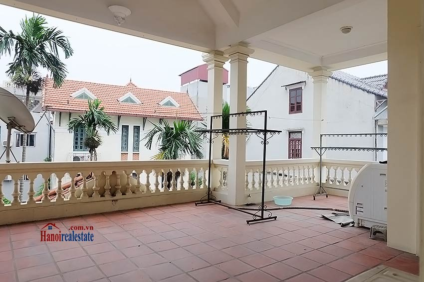 Garden furnished 03 bedroom house to rent in Tay Ho, Hanoi 18