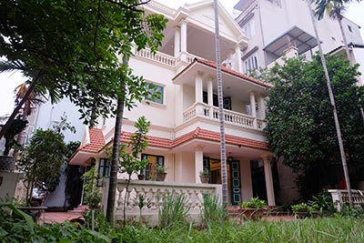 Garden furnished 03 bedroom house to rent in Tay Ho, Hanoi