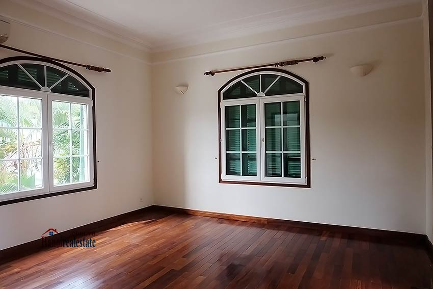 Garden unfurnished 05 bedroom house to let in Tay Ho with top floor terrace 12