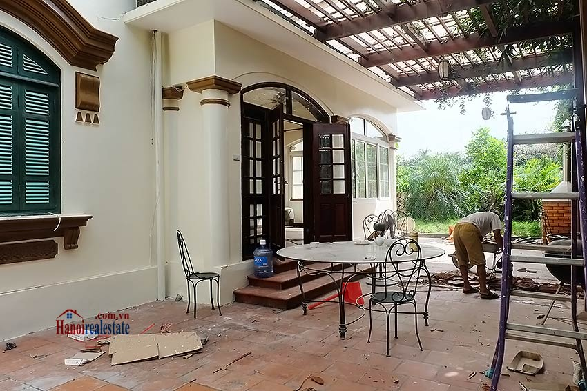 Garden unfurnished 05 bedroom house to let in Tay Ho with top floor terrace 3