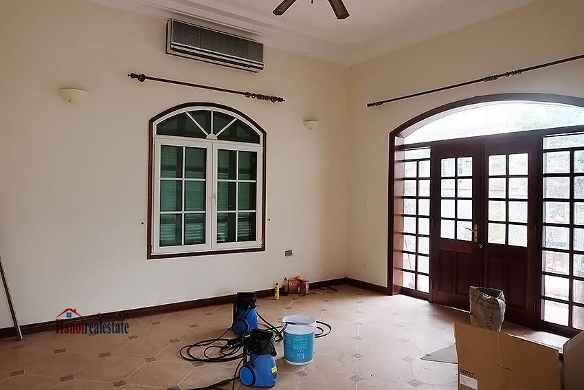 Garden unfurnished 05 bedroom house to let in Tay Ho with top floor terrace 5