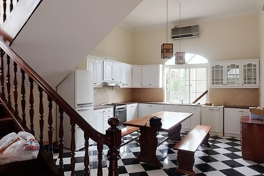 Garden unfurnished 05 bedroom house to let in Tay Ho with top floor terrace 7