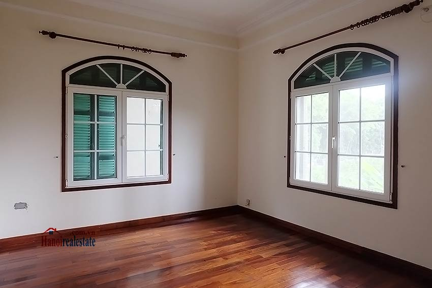 Garden unfurnished 05 bedroom house to let in Tay Ho with top floor terrace 9