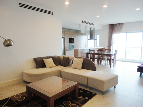 Golden West lake, 2 bedroom Apartment includes a spacious livingroom & furnished